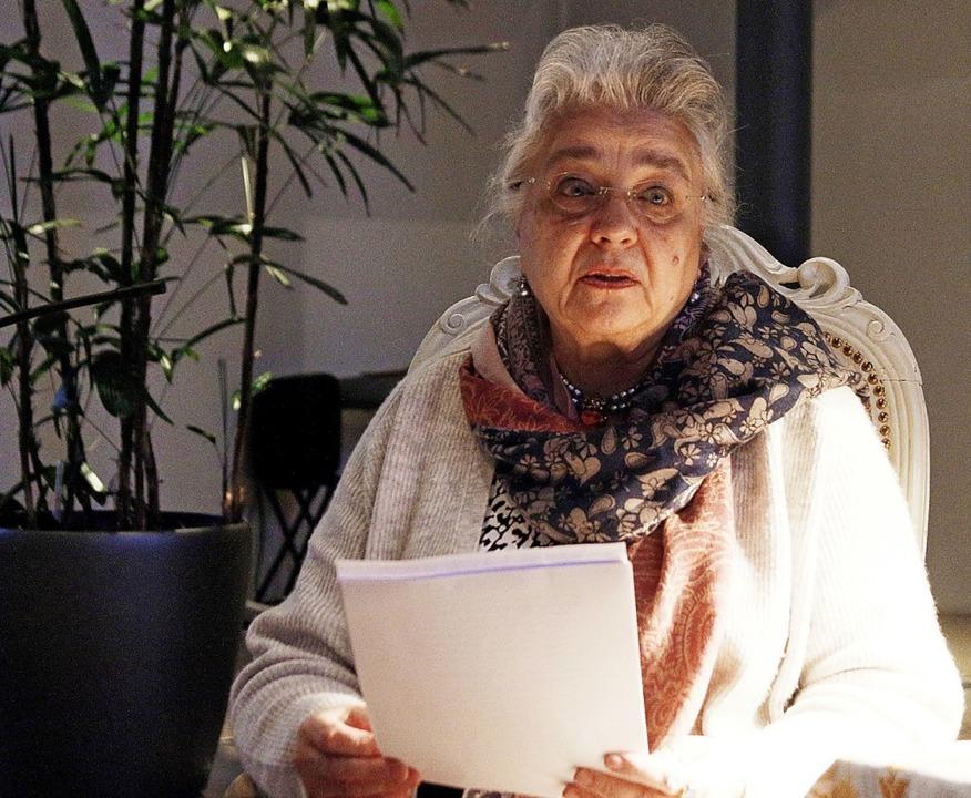 Karin Jäckel machte den Anfang der Autorenlesungen.   | Foto: Heidi Fössel
