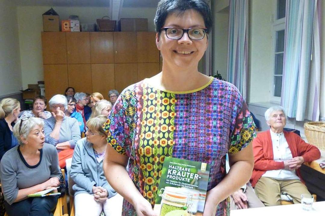 Petra Rehm-Hug stellte ihr Buch in St. Ulrich vor.   | Foto: Anne Freyer