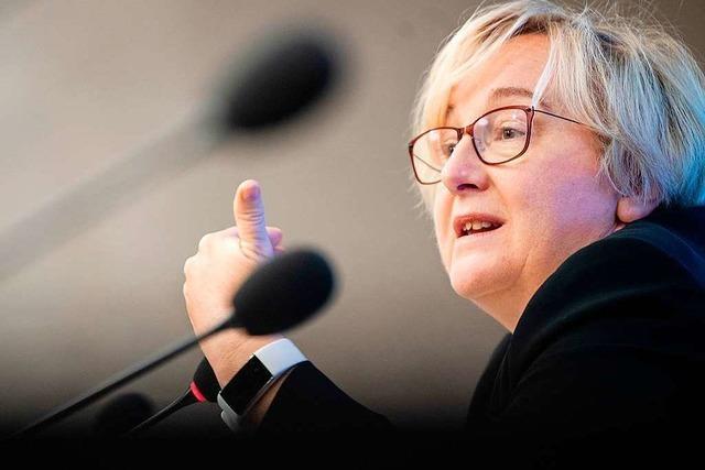 Zulagen-Untersuchungsausschuss: Viele Fragen an Ministerin Bauer