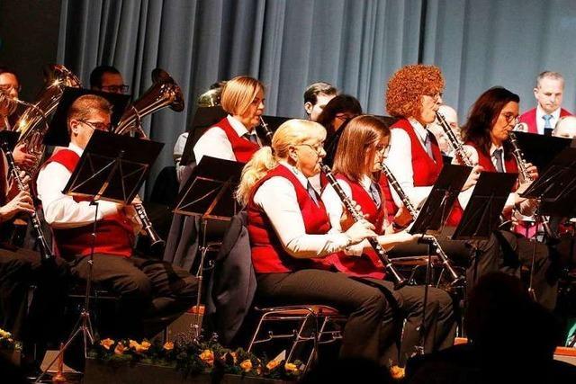 Frühjahrskonzert des Musikvereines Sulz mit Hilfe aus Reichenbach
