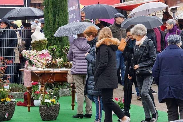 Frühlingsausstellung in Rheinhausen trotz Regen gut besucht