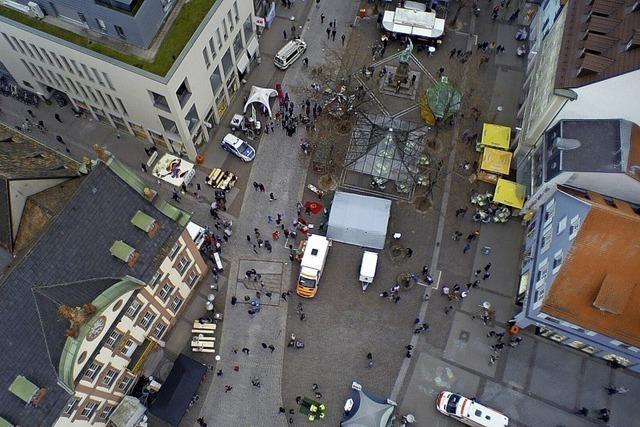 Drohnenperspektive des Rathausplatzes