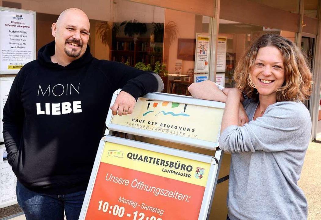 Frank Hebda und Natascha Tschernich si...e Quartiersarbeiter-Duo in Landwasser.  | Foto: Thomas Kunz