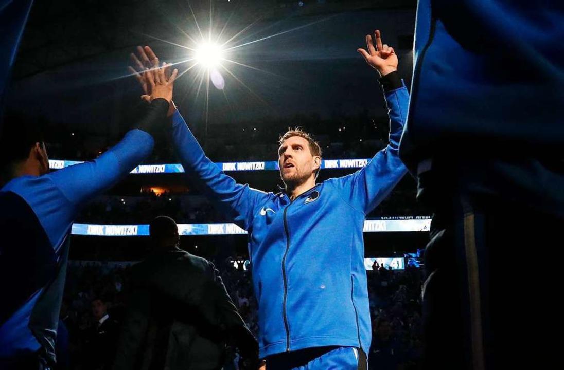 Dirk Nowitzki von den Dallas Mavericks...iel am 5.4.2019 in Dallas vorgestellt.  | Foto: dpa