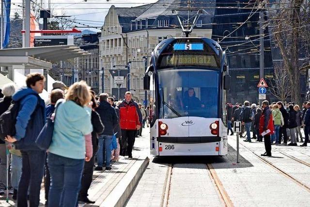 Freiburger Straßenbahnlinie 5 war wegen eines Unfalls am Stadttheater unterbrochen