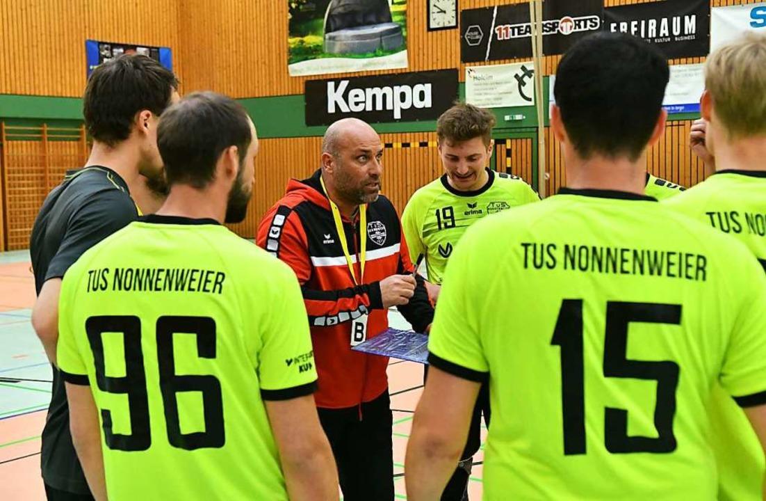 Bei Trainer Thomas Welle und dem TuS Nonnenweier läuft es gut.    Foto: Wolfgang Künstle
