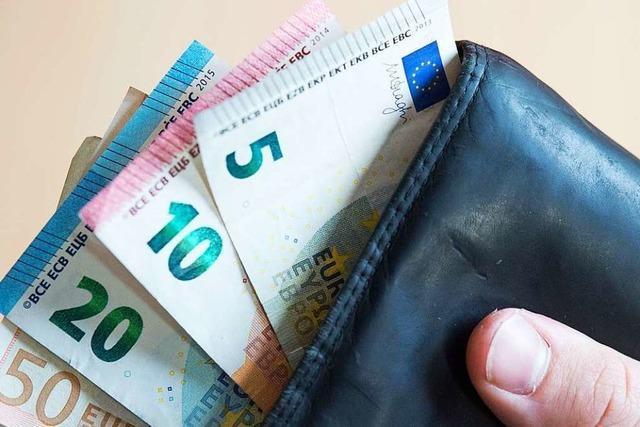Unbekannte dringen in Kneipe an Lörracher Marktplatz ein und stehlen 100 Euro