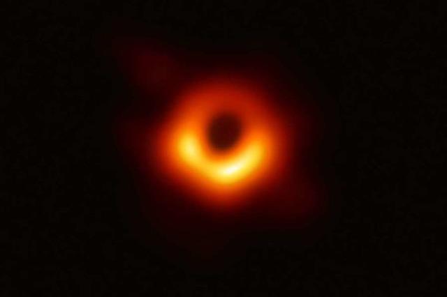 Astronomen gelingt erstes Bild von Schwarzem Loch