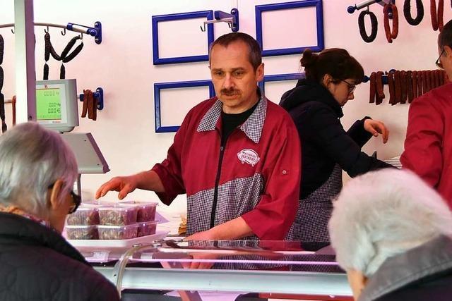 Gundelfinger Metzgermeister steht jetzt auf dem Markt in Freiburg-Betzenhausen