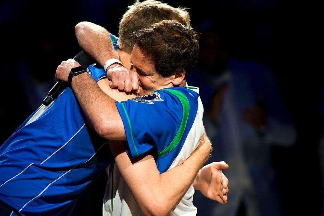 Nowitzki mit Marc Cuban  | Foto: dpa