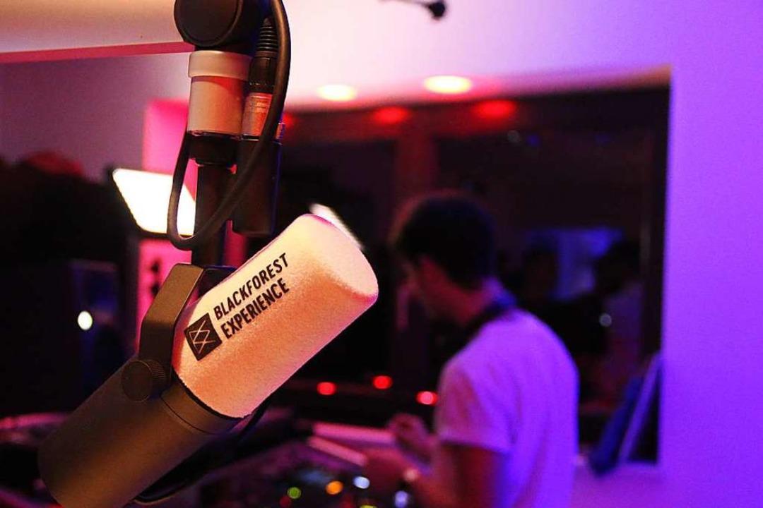 Den Online-Radiosender gibt es schon seit einem Jahr.  | Foto: Julia Stulberg