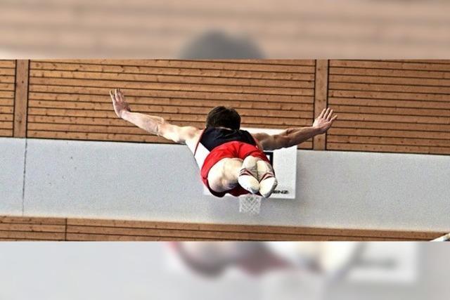 Akrobatische Tiefflüge in Löffingen