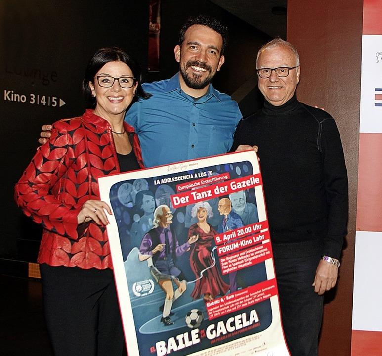 Regisseur Ivan Porras Melédenz (Mitte)...ter Ritzau vom Freundeskreis Alajuela   | Foto: Heidi Fössel
