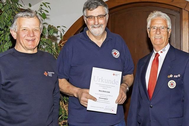 Neues Ehrenmitglied beim Roten Kreuz