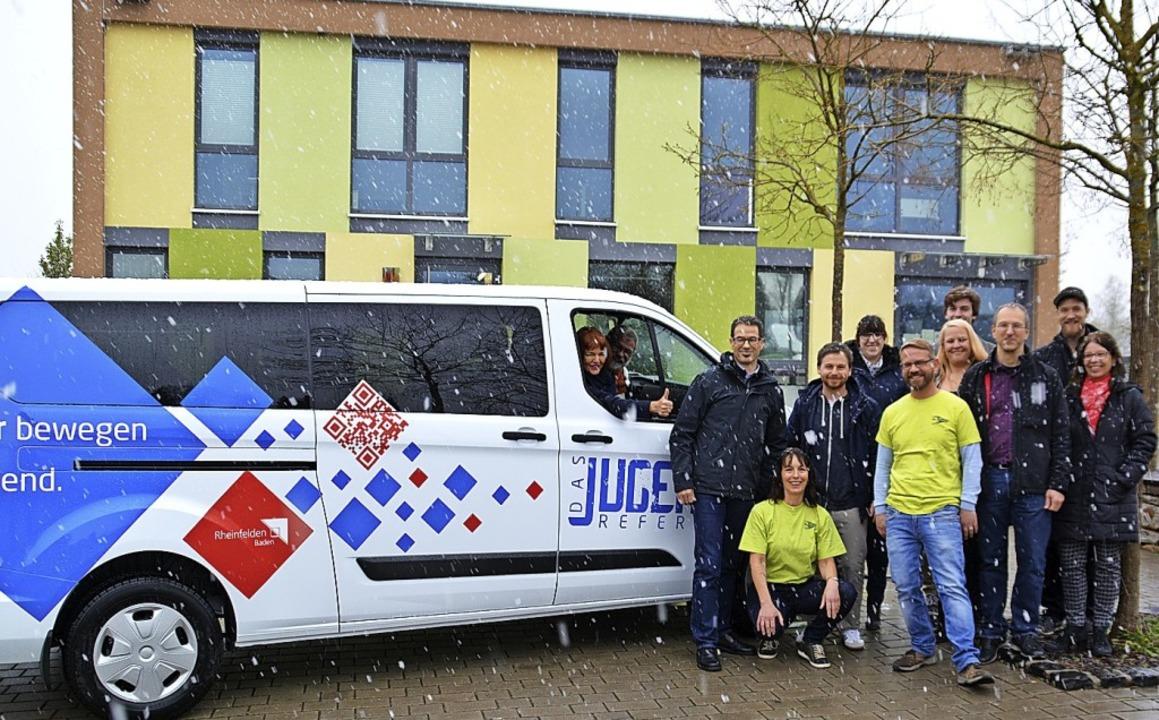 <BZ-FotoAnlauf>Jugendreferat:</BZ-Foto...igenen Bus ist in Erfüllung gegangen.   | Foto: Stadtverwaltung