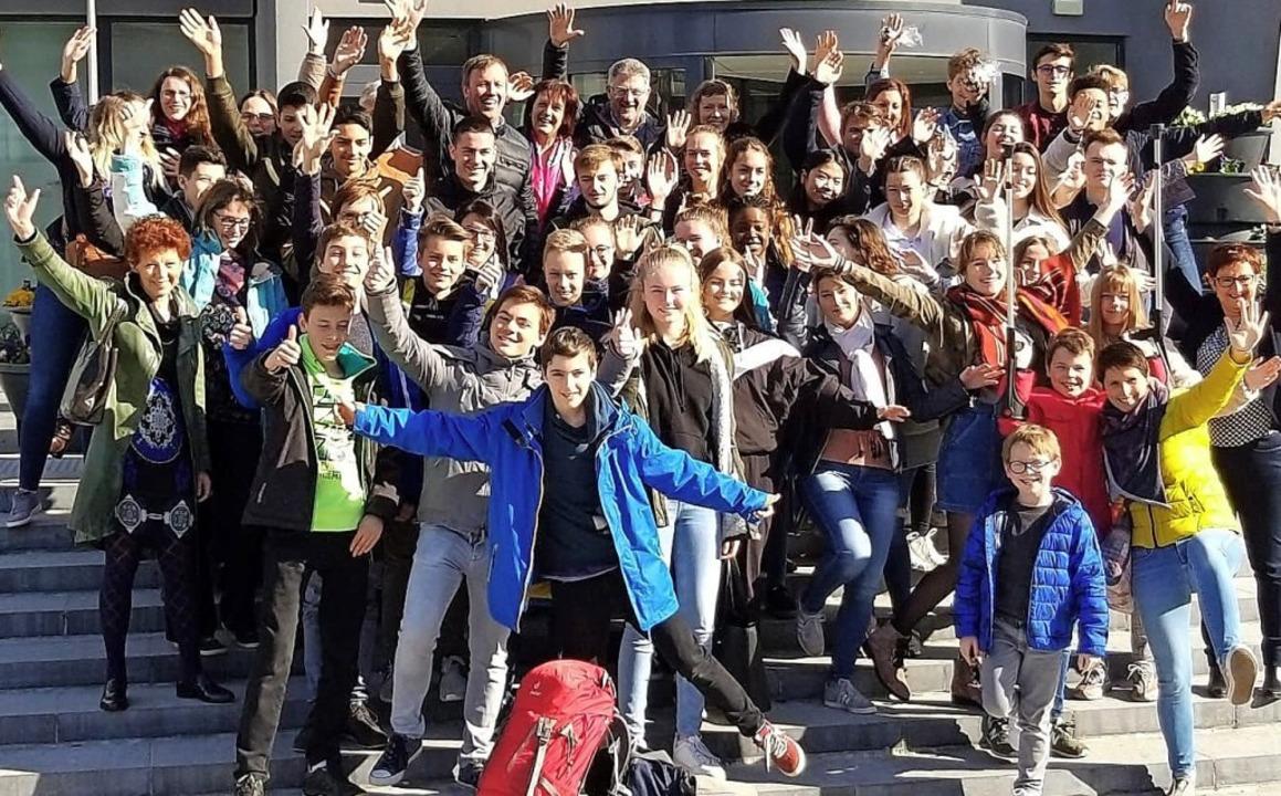 <BZ-FotoAnlauf>Georg Büchner Gymnasium...er mit ihren Lehrerinnen  in Mouscron   | Foto: Simon Steux