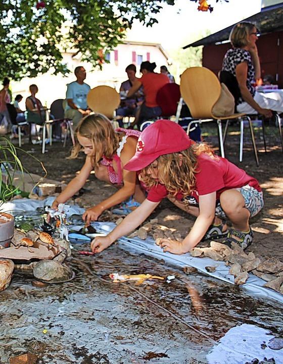 Auch für junge Menschen engagiert sich...O – so wie hier beim Sommerfest.  | Foto: Bertsch
