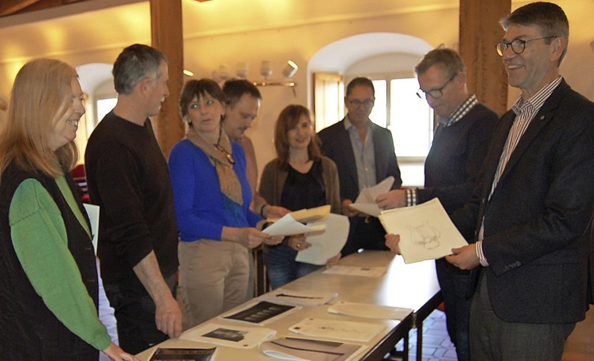 Die Jury hat entschieden, die Künstler...e Bildhauersymposium sind ausgewählt.   | Foto: C. Renk