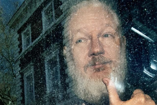 Polizei nimmt Assange fest