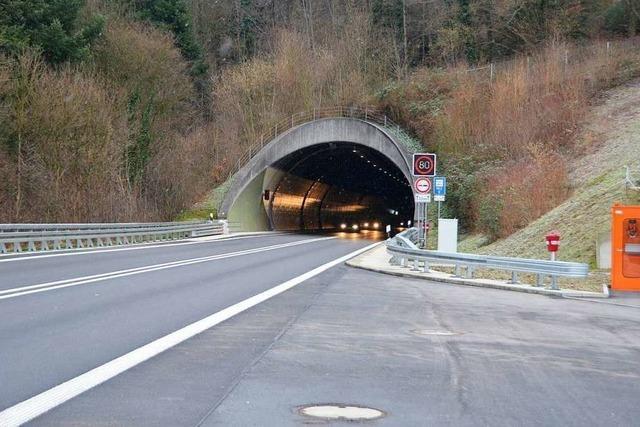 Geschwindigkeit auf B 294 nach Hugenwaldtunnel wird reduziert