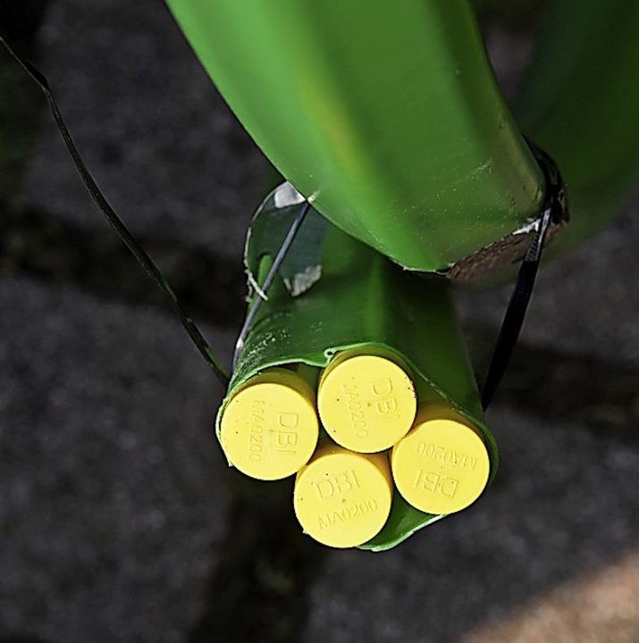 Diese Leerrohre wollen verlegt und später mit Glasfaserkabeln gefühlt sein.  | Foto: Robert Bergmann