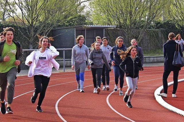 Schüler laufen Runde um Runde für eine gute Sache