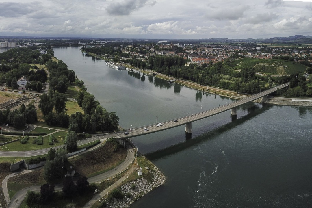 Der Run for Europe ist ein Lauf für Jedermann über den Rhein bei Breisach.  | Foto: Patrick Kerber