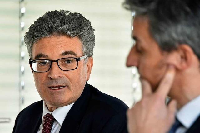 IHK-Präsident erklärt die Wahl Dieter Salomons zum Geschäftsführer