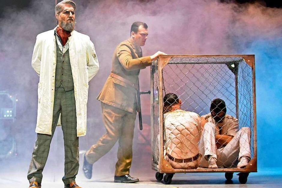 Nichts für schwache Nerven – der Zirkus des Horrors. (Foto: Michael Bamberger)