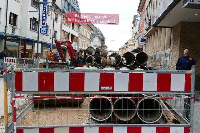 Die Baustelle in der Basler Straße ist eine Belastungsprobe für das Gewerbe