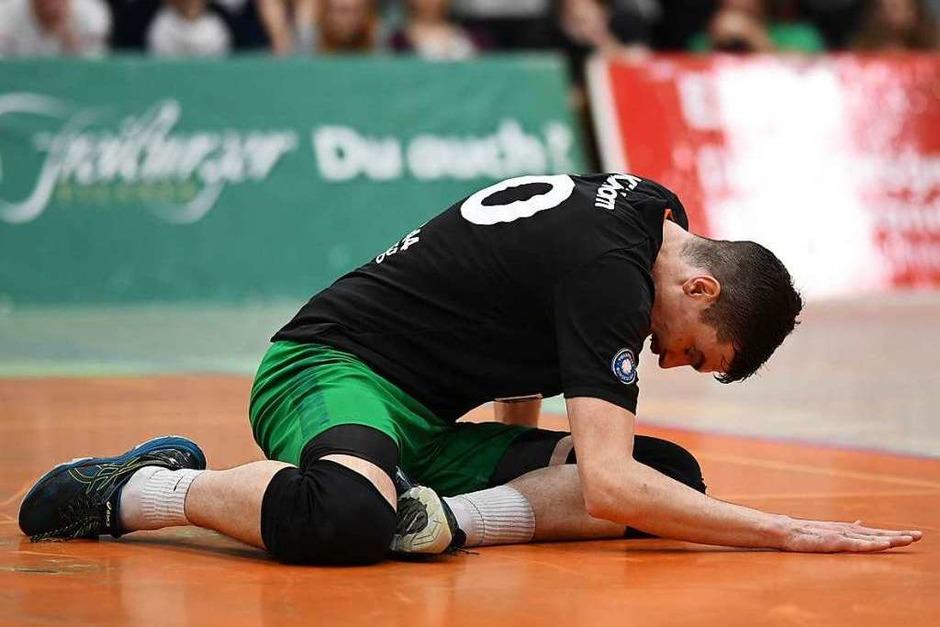 Geschlagene Gestalt: Außenangreifer Jannik Kühlborn war einer der besten Freiburger bei der Niederlage gegen Eltmann. (Foto: Patrick Seeger)