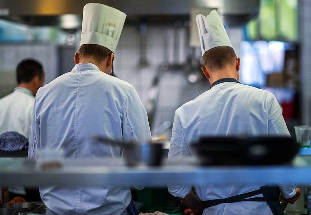 Der Trend zum Gasthaussterben auf dem ...iele Gastwirte aufhörten. (Symbolbild)  | Foto: dpa