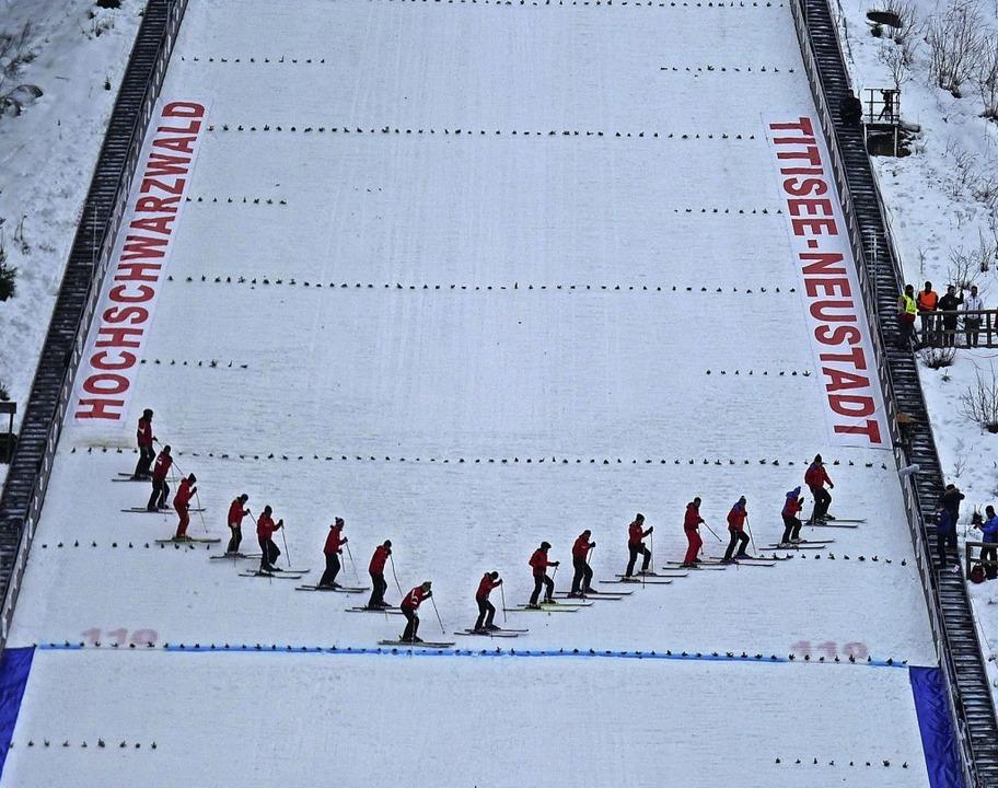 Begehrte Landezone: Die Neustädter Hoc...platz eines Skisprung-Doppelweltcups.     Foto: bachmann