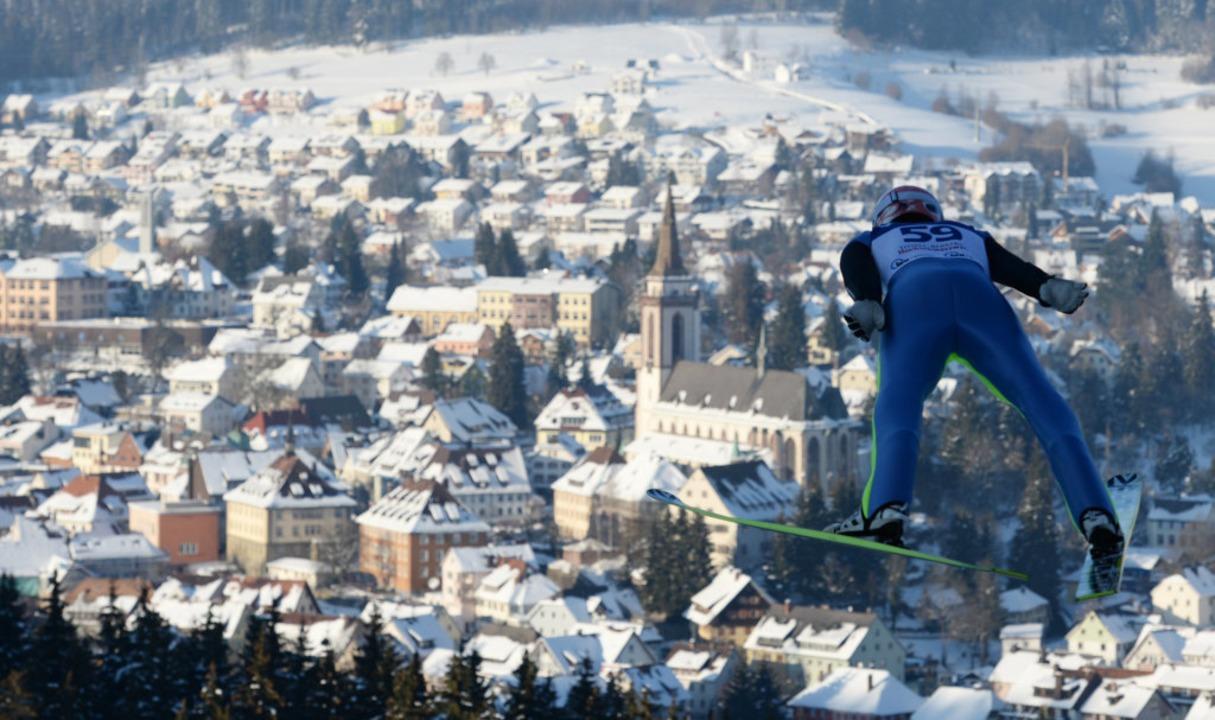 Skispringen in Neustadt – das is...o soll es auch im Februar 2020 werden.    Foto: dpa