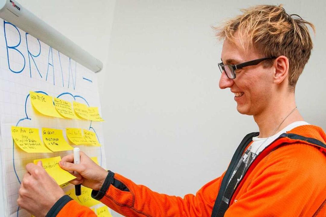 Wer wie Christoph Hille IT-Systemkaufm...sich für Technik und IT interessieren.  | Foto: Karolin Krämer