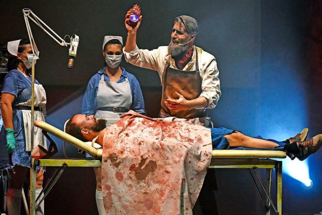 Professor dei Morti führt fragwürdige Experimente durch.  | Foto: Michael Bamberger