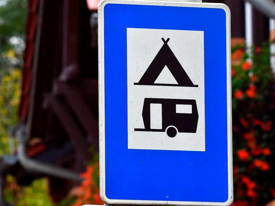 Bei dem Wohnwagen handelte es sich um ...Fendt. Der Wert liegt bei 30.000 Euro.  | Foto: Hendrik Schmidt