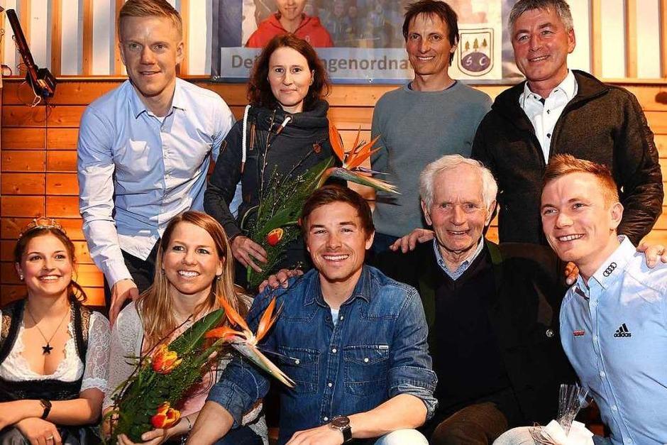 Die neuen Weltmeister plus drei alte Schwarzwälder Olympiahelden beim Empfang in Breitnau (Foto: Wolfgang Scheu)