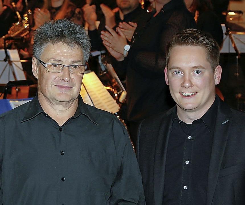 Helmut Seilnacht (links) wurde von Phi...le für 50 Jahre Mitgliedschaft geehrt.  | Foto: Sandra Decoux-Kone
