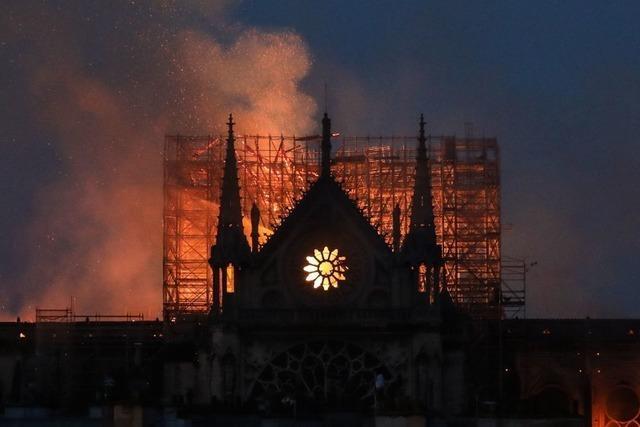 Liveblog: Pariser Kathedrale Notre-Dame steht in Flammen