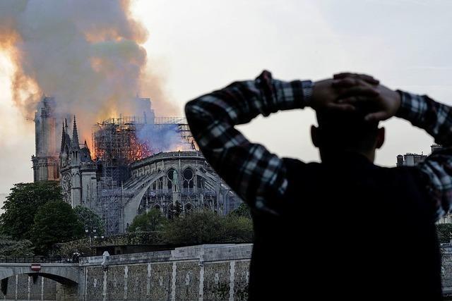 Notre-Dame durch Feuer zerstört