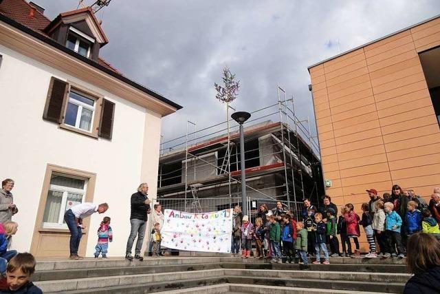 Au feiert das Richtfest für den Kindergartenanbau
