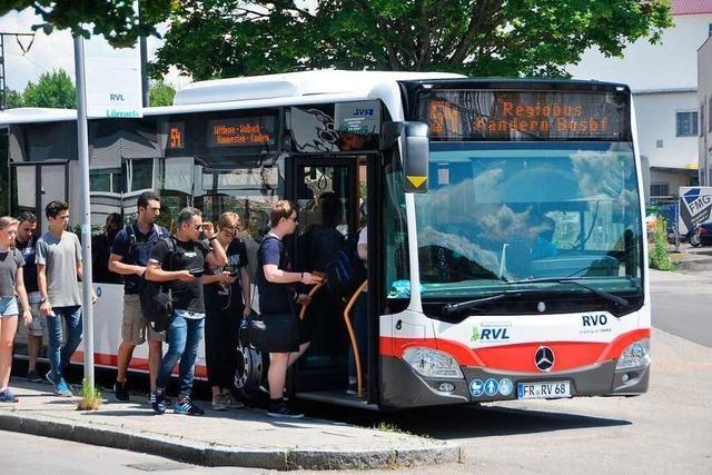 Die SPD diskutiert mit Bürgern über den Nahverkehr im Kandertal