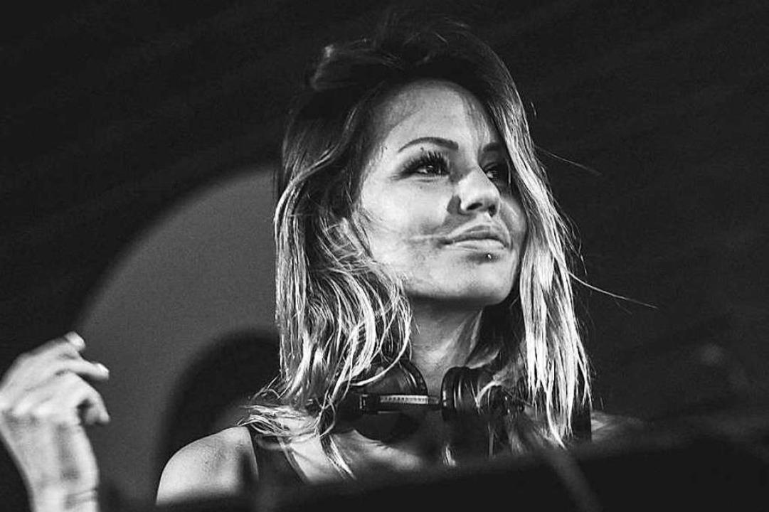 Deborah de Luca  legt am Ostersonntag ...linern und zahlreichen Freiburger DJs.  | Foto: Promo