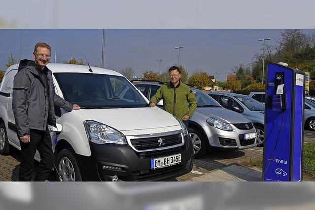 Beim Einkaufen das Elektro-Auto aufladen