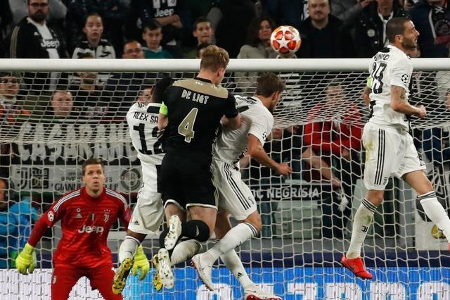 Ajax überrascht erneut