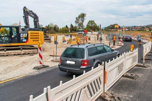Die Baustelle an der Kreisstraße dauert länger