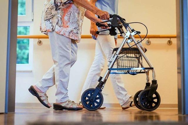 Lörracher Kreistag will Sozialstrategie für Pflegebedürftige fortführen