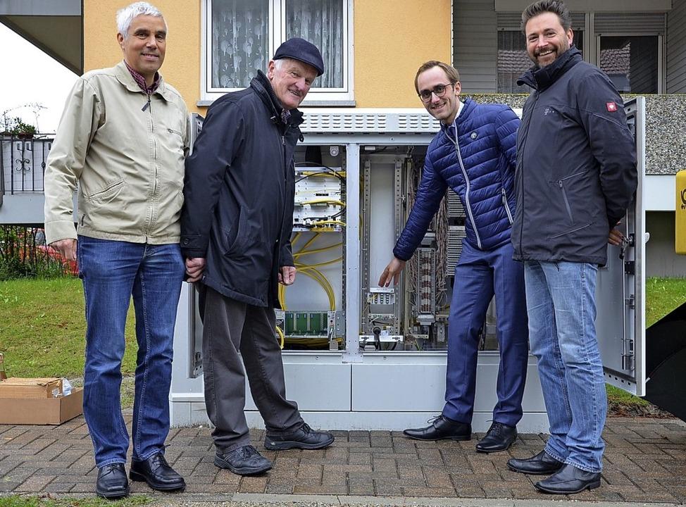 Abteilungsleiter Leander Hohwieler,  O...r schnelleres Internet in Oberbergen.   | Foto: Trogus
