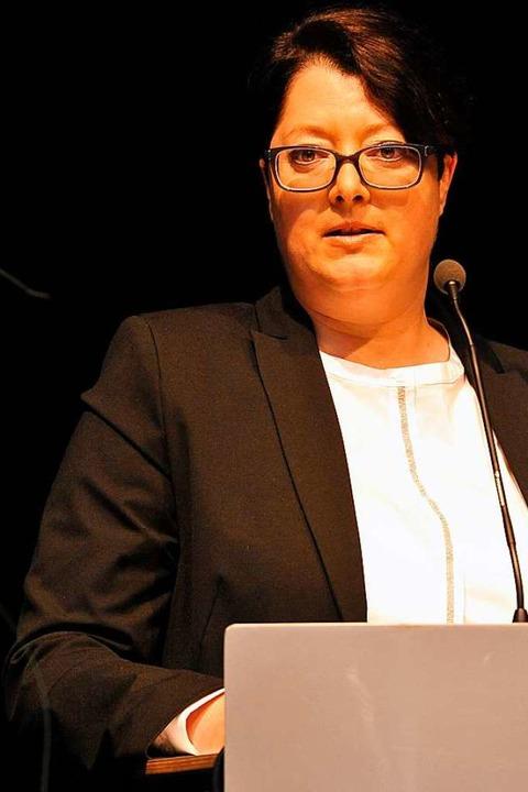 Wehrte sich im Namen der Mitarbeiter g...Volksbank-Prokuristin Tanja Bregenhorn  | Foto: Hans-Peter Müller